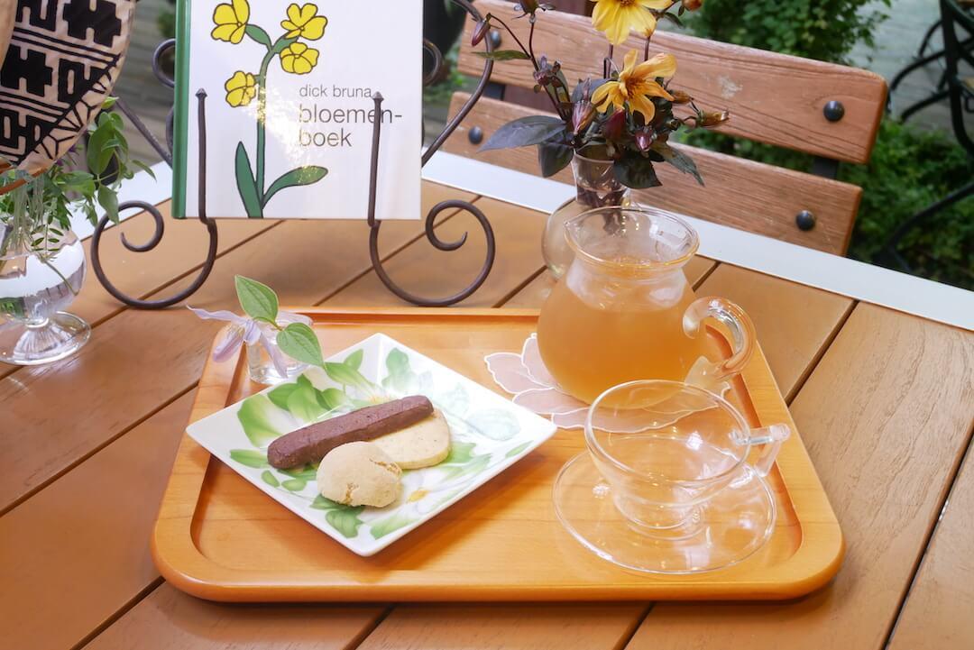 クレマチスの丘 ティーハウス ガーデナーズハウス 庭カフェ ハーブティー お菓子 おやつ