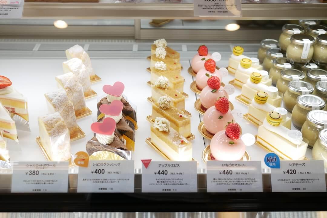 nico(パティスリー ニコ)岐阜市 岐阜ケーキ屋さん シフォンケーキ 苺 イートイン カフェスペース