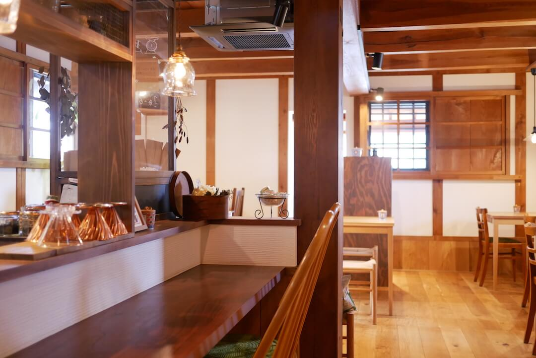 喫茶とちょうど品 エントワ 大垣市 岐阜カフェ ブックカフェ 雑貨屋さん レトロ 古民家 ケーキ おやつ コーヒー