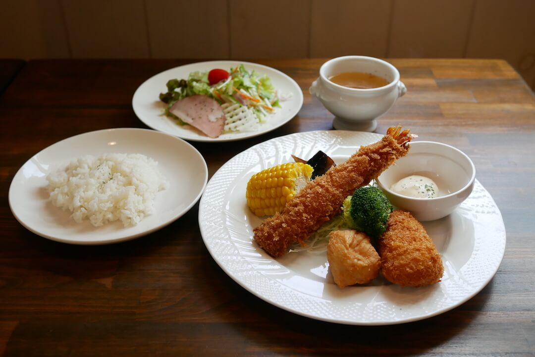 sorachicafe ソラチカフェ 岐阜カフェ 大垣市 洋食ランチ ガーデン 花 植物